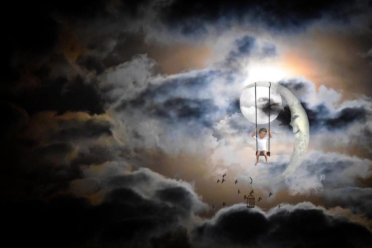 moon-1301073_1280