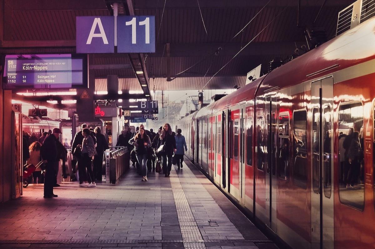 railway-station-3850002_1280